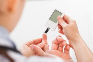 checking-blood-sugar-level-for-diabetes